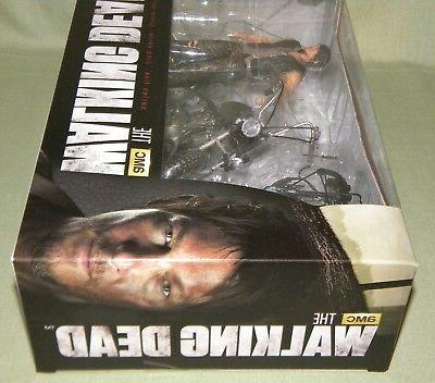 "DARYL & Walking 5"" Figure"